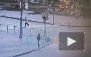В Купчино такси пробило ограждение и вылетело на тротуар