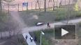 Видео: на проспекте Стачек дети три часа играли напротив ...