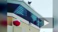 """Казань: Во время расчистки снега с крыши """"Баскет-холла"""" ..."""