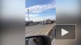 Видео: на Выборгской набережной перевернулось авто
