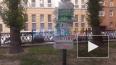 В Эльфийском сквере петербуржцы восстановили столб ...