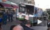 На Лиговском проспекте ДТП с автобусом: он пробил ограждение и перегородил дорогу