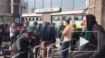 """Станция метро """"Улица Дыбенко"""" больше часа закрыта ..."""