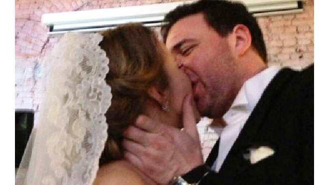 Собчак вышла замуж и подтрунивает над бывшим возлюбленным