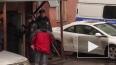 Боец Росгвардии запрыгнул на капот машины и задержал ...