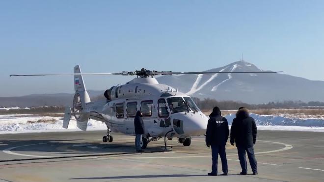 Трутнев осмотрел опытный экземпляр новейшего вертолета Ка-62 в Приморье