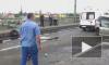 Видео: над железной дорогой на Невском путепроводе повисла фура