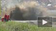 Видео из Ростовской области: Во время гонок трактор ...