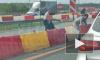 Видео: петербуржцы с помощью куртки ловили утят на КАД