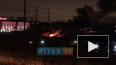 На проспекте Передовиков загорелась автостоянка