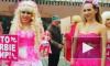 Карина Барби вывела всю свою кукольную дивизию на Красную площадь и устроила митинг