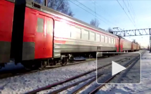Под Петербургом электричка столкнулась с иномаркой