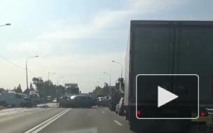 Видео: в селе Ушаки две легковушки разбились в ДТП с фурой
