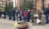 Видео: на Бумажной в очереди за бесплатным антисептиком стоят более 50 человек