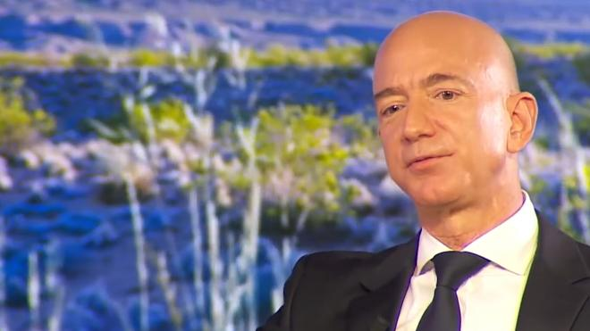 Стало известно о переговорах глав Amazon и Ozon