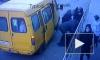 На Кубани водитель маршрутки вытащил пассажирку с инсультом на улицу и оставил на дороге