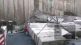 Видео из Приморья: Из-за непогоды бетонная стена рухнула...