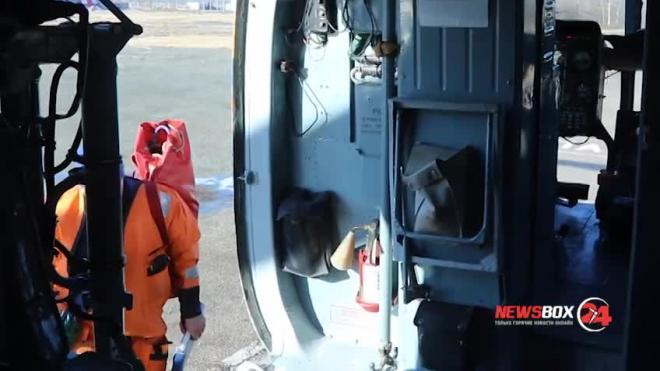 В Японском море эвакуировали всех рыбаков с горящего российского судна