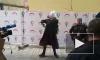 """С первой пресс-конференции Собчак грубо выкинули """"лошадь"""" (видео)"""