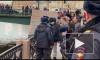 Доцента Соколова привезли на набережную Мойки в каске и бронежилете
