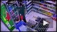 Двое неизвестных ограбили магазин и сломали нос товароведу ...