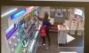 Вооруженное ограбление магазина в Пушкине попало на видео