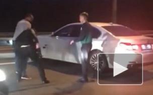 В разборках пьяных водителей BMW пострадали очевидцы