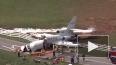 В США самолет развалился пополам  при посадке