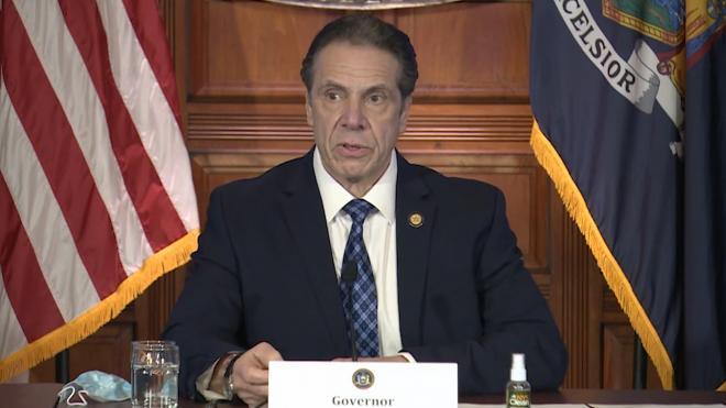 Губернатор Нью-Йорка отрицает попытки скрыть число умерших после заражения COVID-19