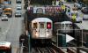 В американском метро мужчинам запретили широко раздвигать ноги и ставить рюкзаки на сидения