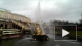 Сезон фонтанов в Петергофе открывался под дождем