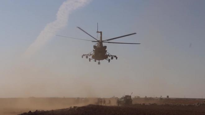 Опубликовано видео разгона российским вертолетом Ми-8 американских военных в Сирии