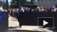 Поклонники Фриске рвались к могиле на похоронах