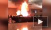 Вандалы в США ворвались в люксовый автосалон и подожгли машины