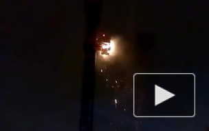 В Сети появилось видео пожара на автокране у Центра Курехина