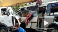 В Челябинске автокран протаранил три маршрутки и насмерт...
