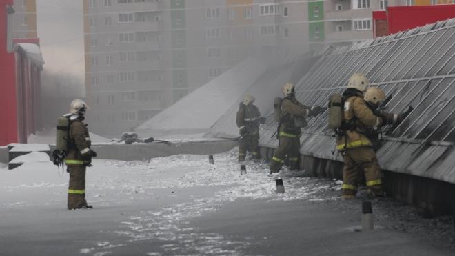 В Ижевске горел огромный торговый центр, пострадали пять человек