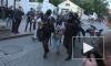 Стало известно имя полицейского, ударившего активистку в живот в Москве