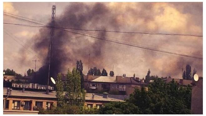 Последние новости Украины: в Луганске мужчина спас ребенка ценой своей жизни, силовики обстреливают жилой квартал