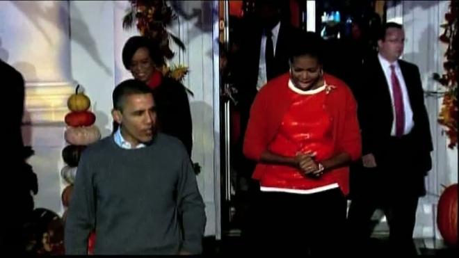 Обама пригласил детей поиграть в «кошелек или жизнь»