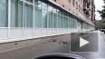 На Корнеева начал рушиться балкон кирпичной многоэтажки