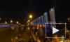Ночью толпа петербуржцев штурмовала Дворцовый мост