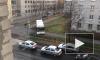 Видео: в Ломоносове водитель автобуса прокатил пассажиров по тротуару