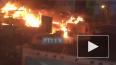 В Мурино на Вокзальной улице горят автомойка, шиномонтаж
