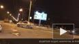 Видео: В Петербурге после аварии на крышу опрокинулась ...