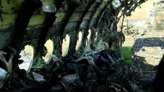 СКР опубликовал видео из сгоревшего самолета в Шереметьево и озвучил основные версии произошедшего