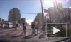 Упавший от ветра дорожный знак травмировал петербурженку
