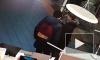 Видео: подростки вынесли самокат из ТРК на Комендантском проспекте