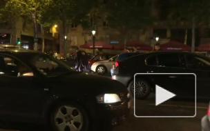 После победного для Франции матча на улицах Парижа болельщиков разгоняли слезоточивым газом