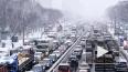 Коллапс в Петербурге: неубранный снег и десятки ДТП